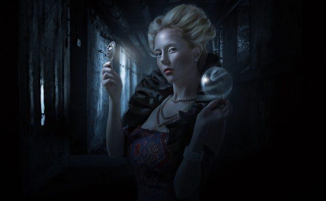 毎朝、魔女になろう!白雪姫の継母みたいに